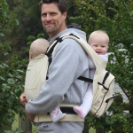 Twingaroo Review – Will this twin baby carrier work for you?